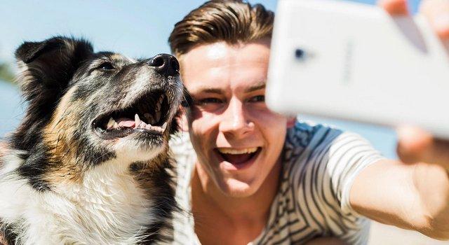 Erkekeler ve selfie